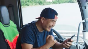 Truck driver finds a new job on their mobile device